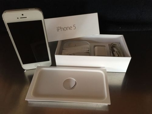 APPLE IPHONE 5 64GB (BLANCO Y NEGRO) 250 EUROS‏